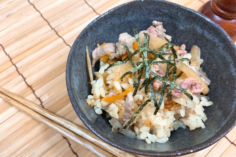 根菜と鶏肉の炊き込みご飯